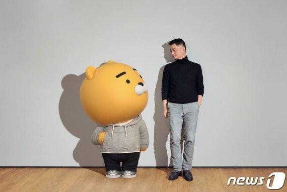 [fn사설] 카카오 김범수, 한국형 부자 모델 선보이길