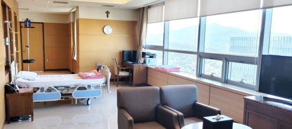 서울성모병원, 코로나19 중증 외국환자 '패스트 트랙' 치료 '국제격리병실' 운영
