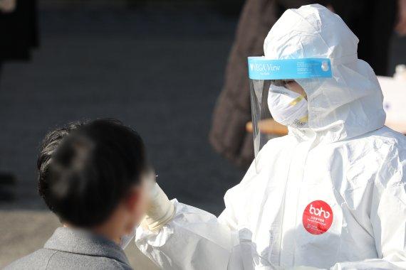 코로나 '변이 바이러스' 14명 추가 발생..총 156명 기록