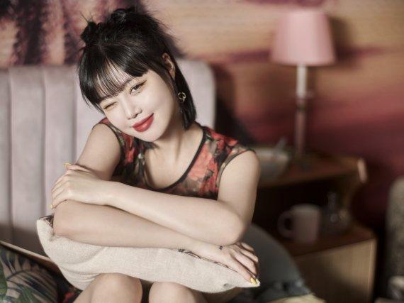 '학폭 논란' 수진, 여자아이들 신곡 뮤비에 등장했다