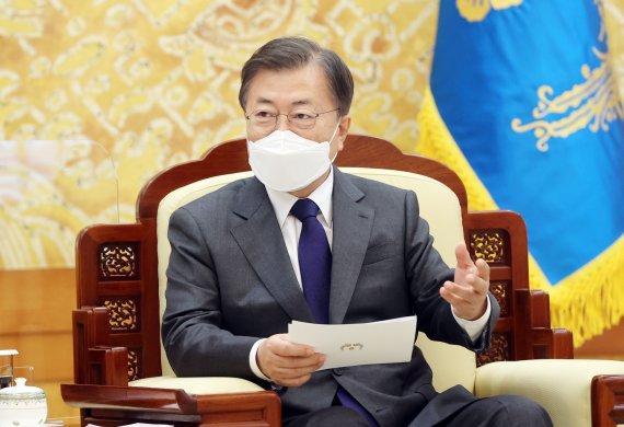 """文대통령 """"국민 질책 엄중히 받아들여""""...與, 지도부 총사퇴"""