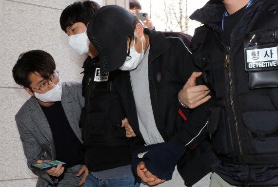 유흥주점 60대 여주인 변사체…성폭행한 중국인 영장 기각