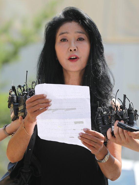 """김부선 """"이제 대선후보 마누라들 차례, 여사님들 긴장하시라…마녀사냥"""""""
