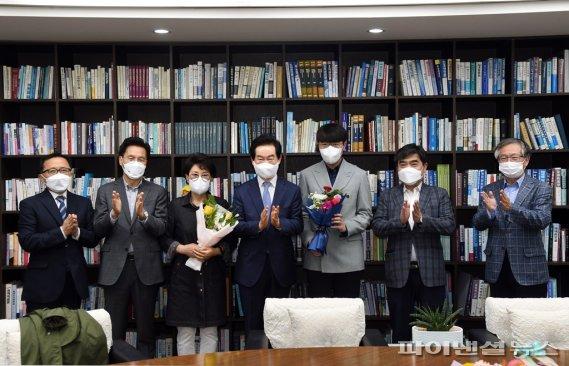 안병용 의정부시장 박신영 프로바둑 입문격려