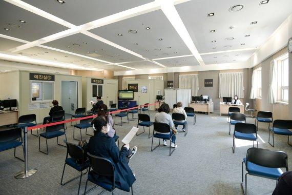 강남세브란스병원, 일반인 대상 코로나19 예방접종 시작