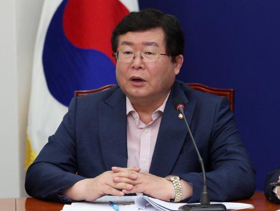 """민주 5선 의원의 예언 """"文, 결국 MB·朴 사면을.."""""""