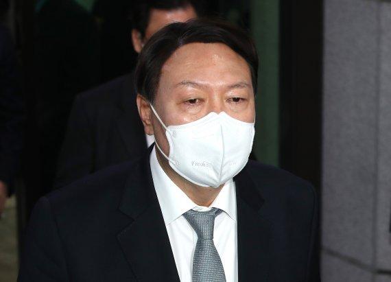 윤석열 향한 야권의 러브콜이 무색한 과거 한국당의 독설들
