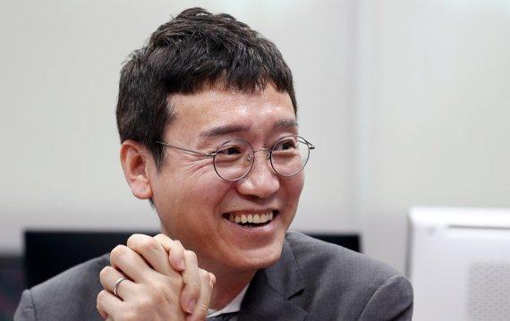 """김웅 """"총장님 걱정이나 하십시오""""…윤석열 """"허허허"""""""