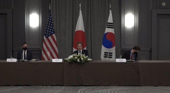 """'한반도 완전한 비핵화' 뜻 모은 한미일 """"공조 강화하자"""""""