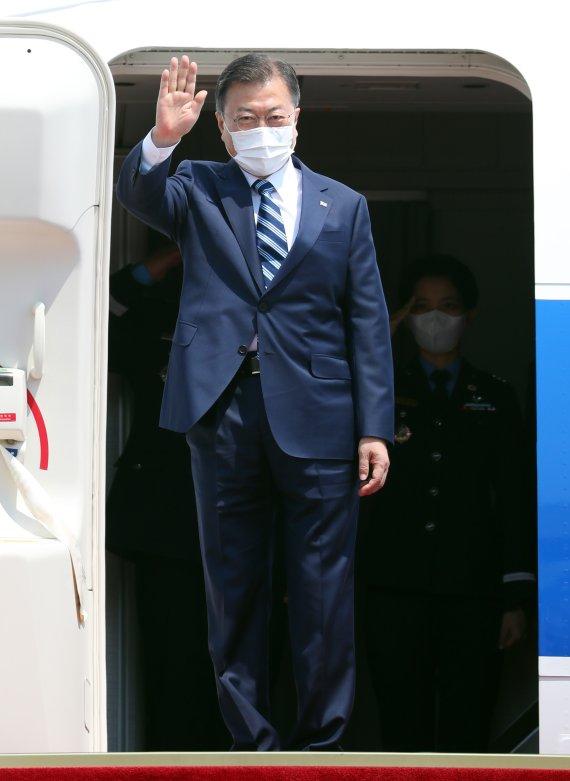 文대통령, 오늘 유럽 3개국 순방길 올라...G7정상회의 참석