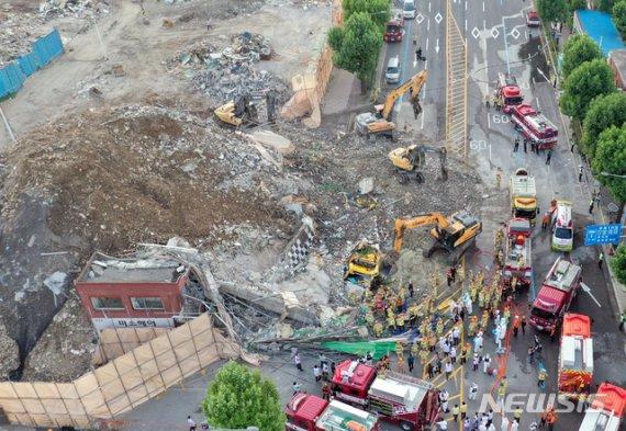 정부, 17명 사상자 낸 광주 철거 건물 붕괴 조사 본격화