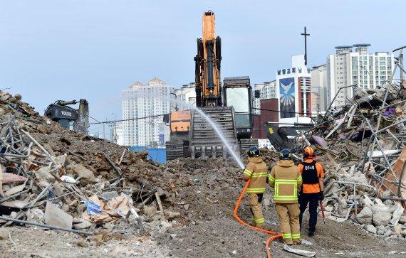 [속보]광주 재개발 건물 붕괴 참사 유족 전원 부검 동의