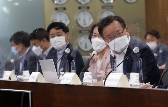 드론 개발 규제완화…자율주행차용 3차원 정밀지도 공개