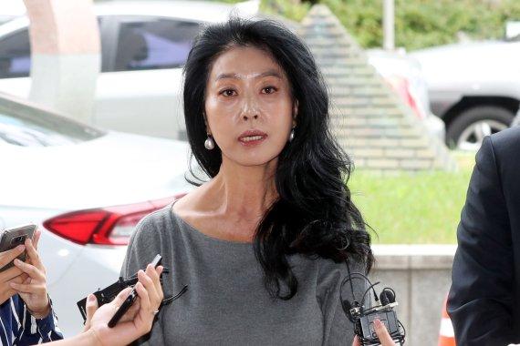 """김부선 """"이재명, 형 부부 명예 팔아먹어…조카 이야기한 건 당신"""""""