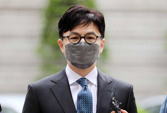 """추미애 저격한 한동훈 """"차고 넘친다는 증거 어디?"""""""