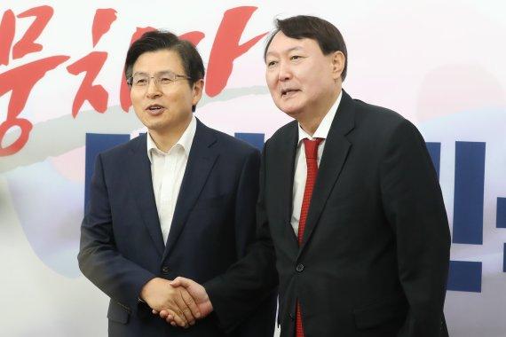 """'윤석열 X파일 작성?' 황교안의 경고 """"자꾸 퍼뜨리면.."""""""
