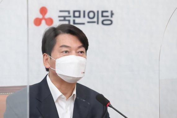 """'文 비행기 두대' 박수현에 안철수 """"왕짜증 靑, 입닫아라"""""""