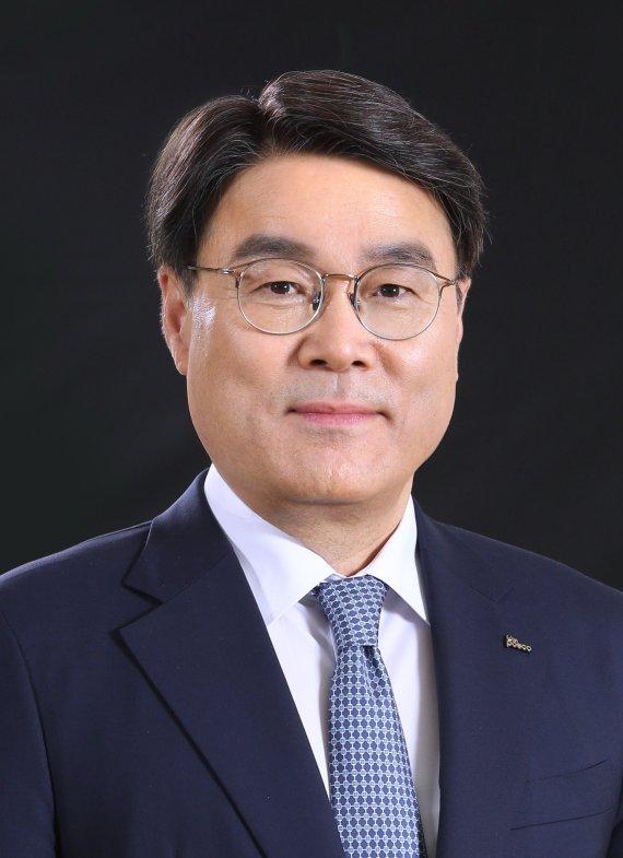 최정우의 혁신 3년, '포스코 미래' 철강 넘어 소재로 확장 [포스코, 15년만에 최대 실적]