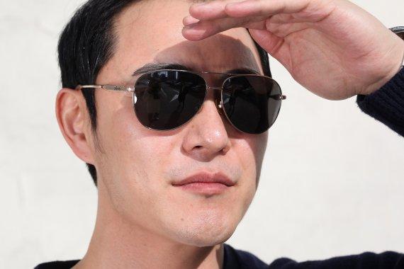 강한 자외선, 백내장 유발·악화시켜…선글라스로 눈 보호해야