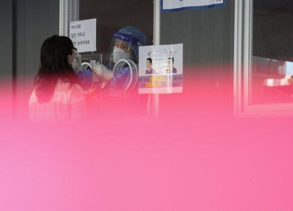 지난주 확진자 98.5%가 델타변이…돌파감염 누적 4731명(상보)