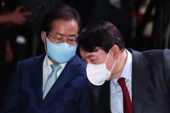 '고발 사주' 폭풍 2주, 대선지형 영향은…尹 주춤·洪 약진, 與도 술렁