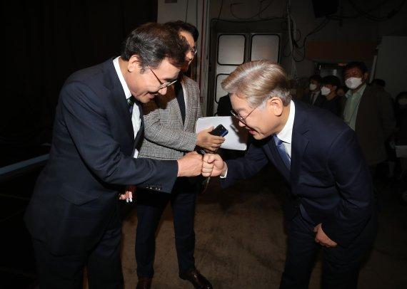 `호남 대전' 이재명 이낙연 광주서 지지선언 경쟁