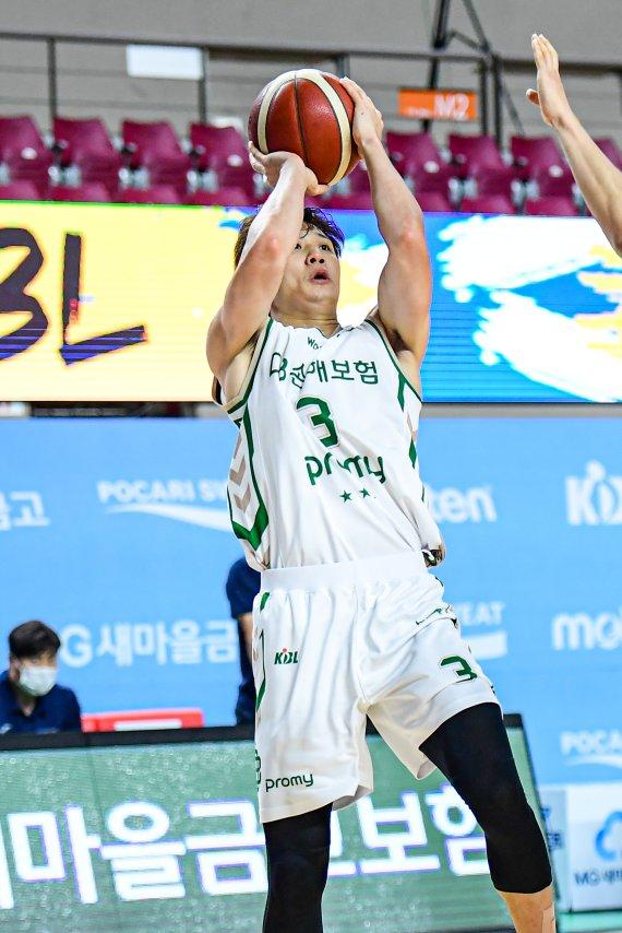 '3점슛 18개' DB, 한국가스공사 잡고 컵대회 준결승행(종합)