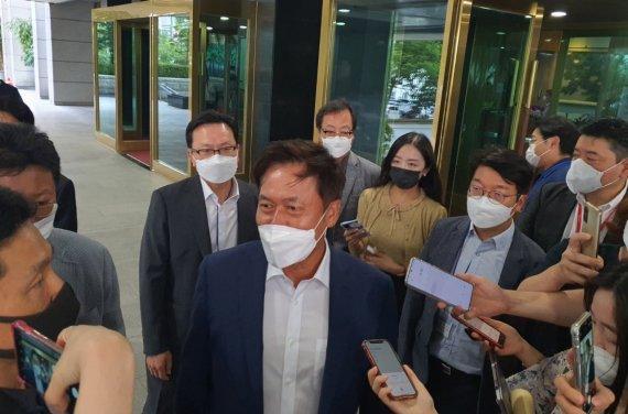 """SKT 박정호 대표 """"넷플릭스와 망사용료 분쟁, 2심갈지 협상할지 고민 중"""""""