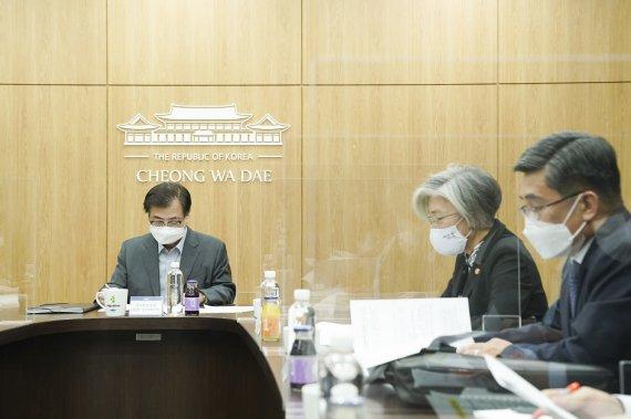 """[속보] 靑 NSC """"北 연속된 미사일 도발에 깊은 우려"""""""