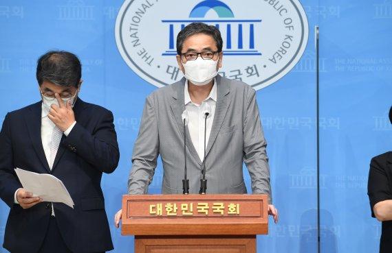"""곽상도 아들 화천대유 근무…이재명측 """"야당 게이트"""""""