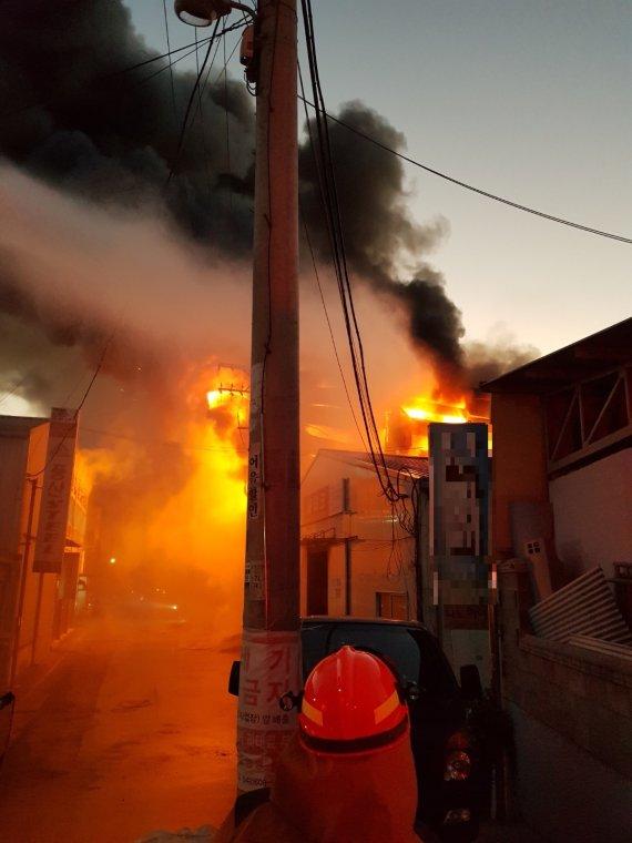 대전 금속가공업체서 화재…진화작업 마무리(종합)