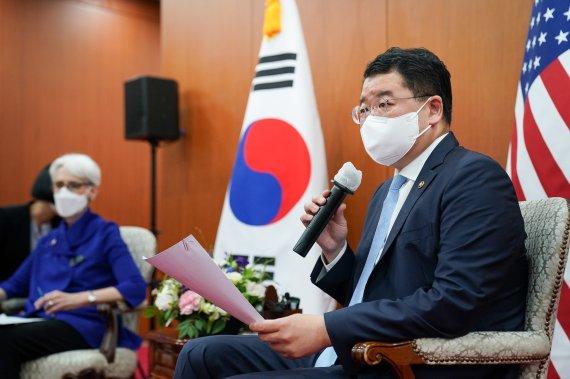 한미 외교차관 통화…北 탄도미사일 발사 대응 논의(종합)