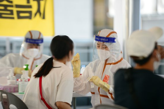 충북 33명 추가 확진…외국인 20명 무더기 감염(종합)