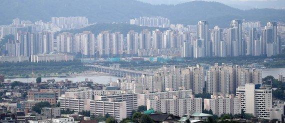 '집값 따라 분양가도 뛰었다'…文정부서 38% 상승