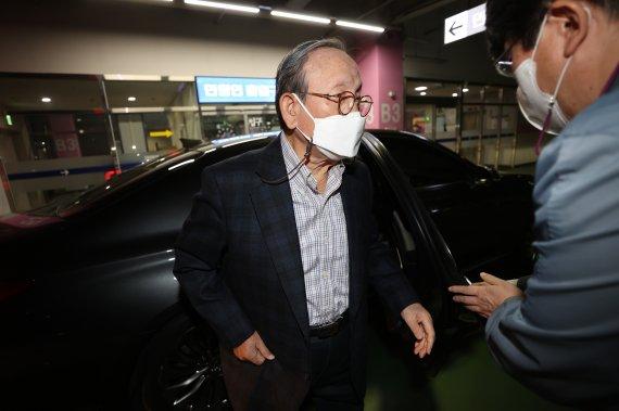 조양래 회장 정신감정 절차 지연…법원, 다음달 2차 심문