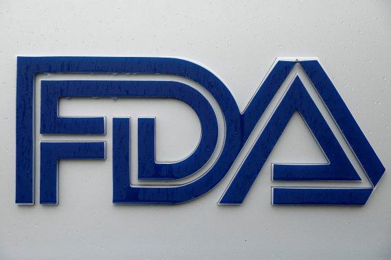 """FDA """"코로나 백신 추가접종 없이도 효과 지속된다"""""""