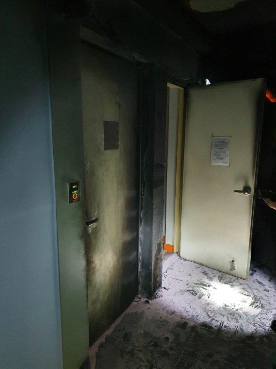 한밤 모텔 복도에 방화한 40대…투숙객 8명 대피