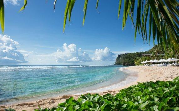 """""""괌여행 갈 수 있었어?""""…추석 연휴, 괌 패키지 여행 전세기 뜬다"""