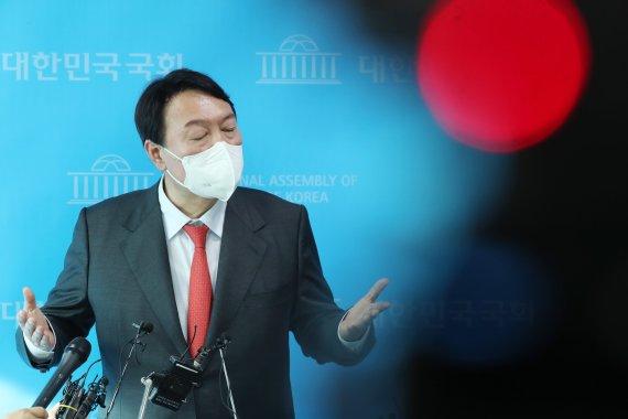 """조성은 """"윤석열 앵무새냐, 공장공작 타령…공작무새, 그 끝이 궁금"""""""