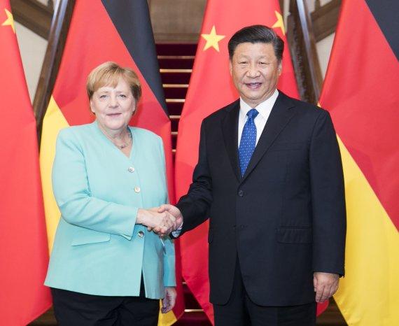 시진핑, 떠나는 메르켈에게 '오랜 친구' 우호 과시
