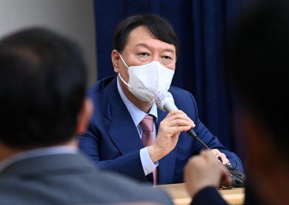 """홍준표·유승민, 윤석열 '당 해체' 협공…尹 """"제대로 하자는 것"""" 해명"""