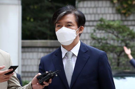 """조국 """"尹 징계 사유들, 총장 때 확인됐다면 탄핵...끝이 보인다""""(종합)"""