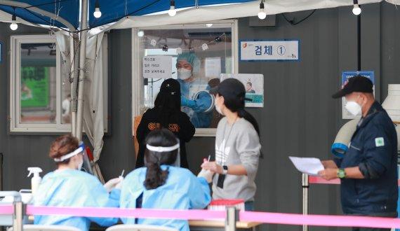 서울 오후 9시까지 677명 확진…누적 11만명 돌파(종합)
