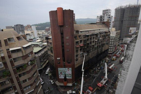 대만 가오슝 13층 건물 화재…46명 사망·41명 부상(종합)