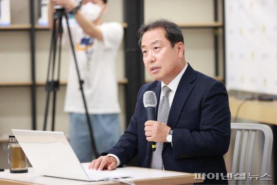 """조광한 남양주시장 """"양육비 지원정책 탁상행정"""""""
