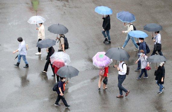 충남지역 아침부터 비…아침 최저기온 14도 '쌀쌀'