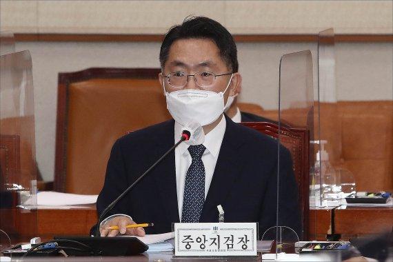 김만배 영장기각 '윗선' 수사 차질…내주 귀국 남욱·성남시로 돌파구?